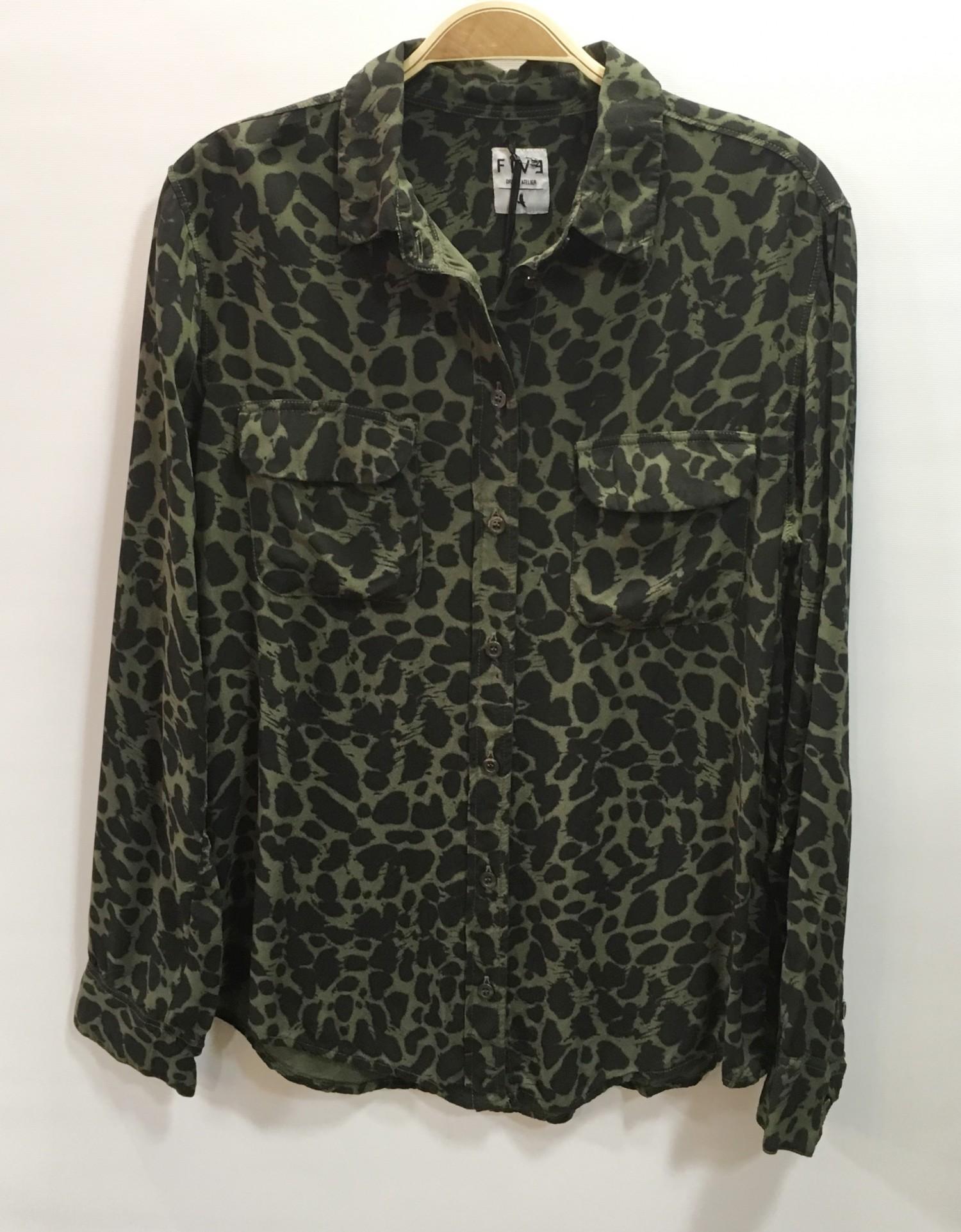 818a103d0fa five-five-chemise-kaki-et-noir-imprime-tachete-2-poches-plaquees-0